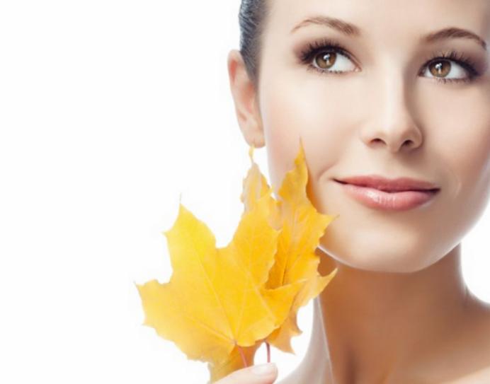 6 exfoliantes recomendables para renovar la piel esteotoño